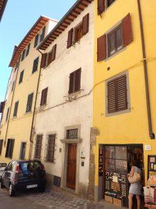 Houses along Costa San Giorgio
