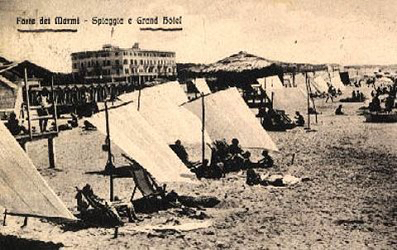 beach scene with sun tents at Forte dei Marmi
