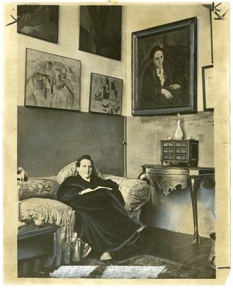Sten in her home, Paris c.1910